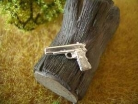 USW045. Pistool Colt 45