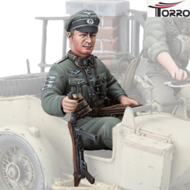 1/16  Figure German officer