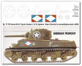 EP 1229 DECAL VOOR DE SHERMAN M4A3 VAN HET 2. REG. DE CUIRASSIERS 3. INF.DIV. ALGERIENNE.