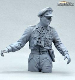 Half Body Commander German Tank Crew Normandy 1944 unpainted