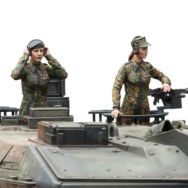 1:16 vrouwlijke Bundeswehr tankcrew, 2 figuren