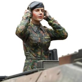 1:16 vrouwlijke Bundeswehr tankcommandant