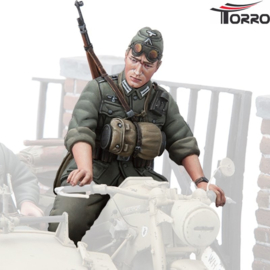 1/16  Figure German Motorcycle Trooper 3