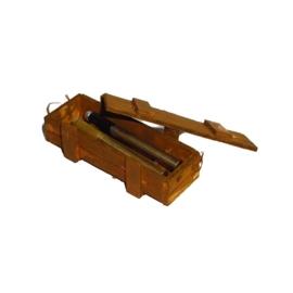 Houten munitiekist met 2 x 88mm granaten