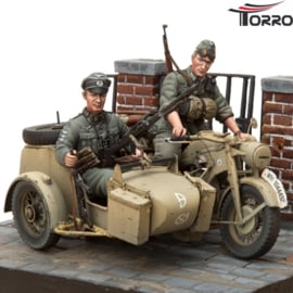 1/16 Kit Motorcycle Zündapp KS-750 with Sidecar & Troopers