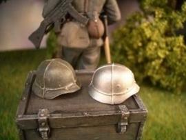 SA011. Duitse helm met draad schaal 1:16
