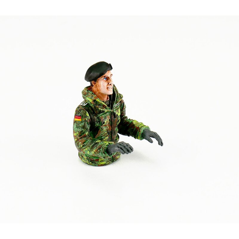 1/16 Half Figure Tank Commander Leopard