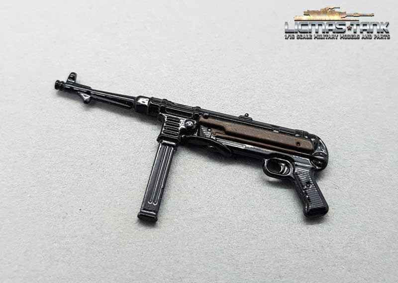 Metal MP 40 painted WW2 Wehrmacht scale 1:16