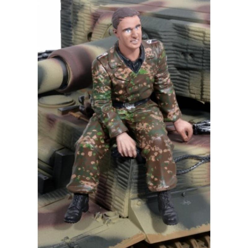 Schaal 1:16 Duitse tankradioman zittend