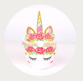 Eenhoorn cupcake wikkel met hoorn 3