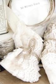 Lace bundle