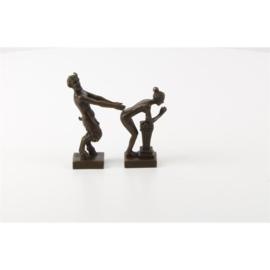 Bronzen beeldjes erotische van sater en vrouw