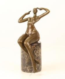 Fantastische abstract brons beeld.