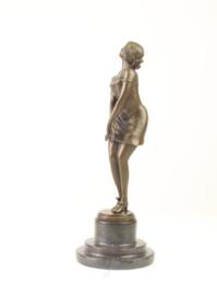Een bronzen beeld genoemd peinzend