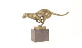 Bronzen beeld van rennende poëma prachtig weergeven