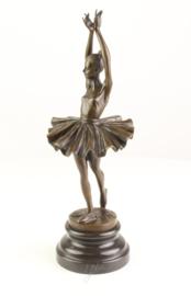 Brons beeld van balletdanseres