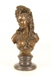 Bronzen buste genaamd de zomer