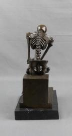 Bronzen skelet denker naar Rodin (klein)