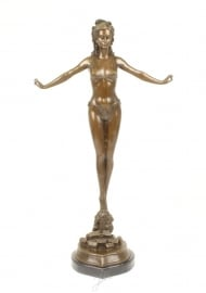 Bronzen beeld vrouw in bikini