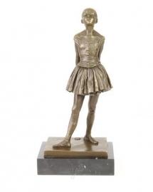 "Bronzen beeld de kleine danseres. ""La Danseuse de Quatorze Ans"""