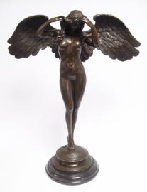 Bronzen beeld genaamd aflopende nacht