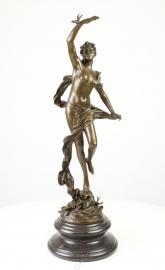 Bronzen beeld van godin Aurora