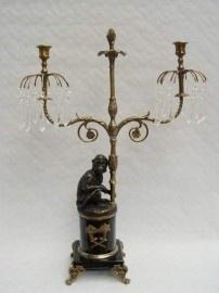 Kandelaar met bronzen aapje