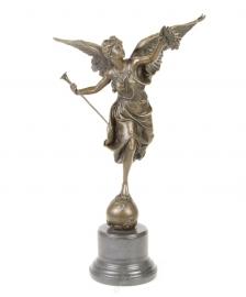 Bronzen beeld (GEVLEUGELDE OVERWINNING)