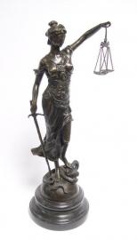 Vrouwe Justitia is van oorsprong een Romeinse godin