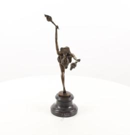 Een bronzen beeld van een vlam leaper