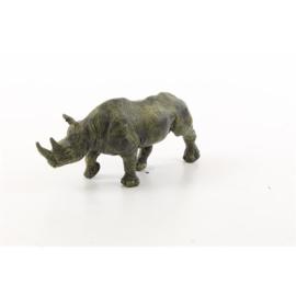 Een Weense stijl bronzen beeld van een neushoorn