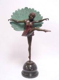 Gekleurd bronzen beeld ´peacock danseres´