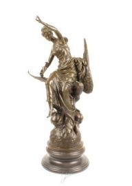Bronzen  beeld van Hebe godin van de jeugd