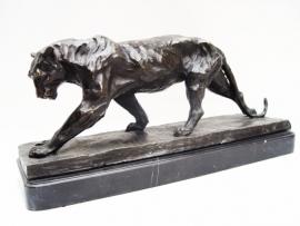 Bronzen  beeld  van een panter