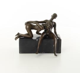 Bronzen beeld de blowjob