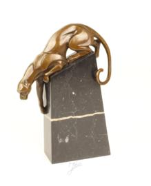 Geheel bronzen beeld van een dalendePanter