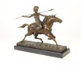 Bronzen beeld van amazone