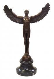 Bronzen beeld van Icarus