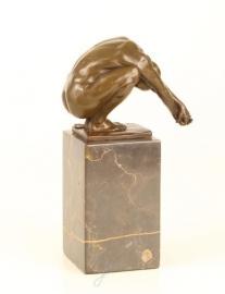 Bronzen beeld de duik