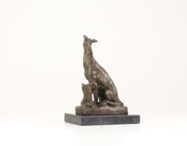 Bronzen beeld van een Greyhound