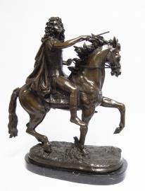 Bronzen RUITERSTANDBEELD VAN KONING LODEWIJK XIV