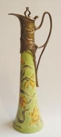 Bronzen Porseleinen karaf mooi beschildert