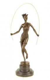 Bronzen Sculpture-Lady Rope Skipping op marmer basis.