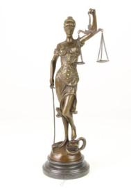Bronzen beeld vrouwe justitia