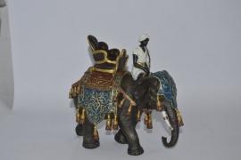 Bronzen beeld van olifant en berijder