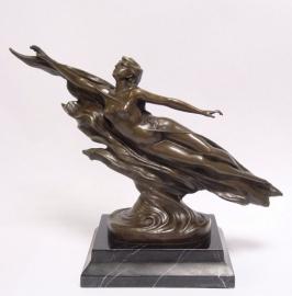 Bronzen beeld naiaden