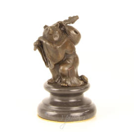 Bronzen beeldje van de rijzige beer