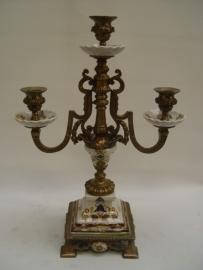 Porseleinen kandelaar mooi afgewerkt met brons