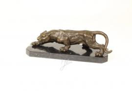 Bronzen beeld van een Panther gehurkt