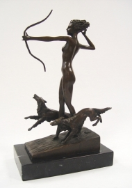 Bronzen beeld genaamd de laatste pijl